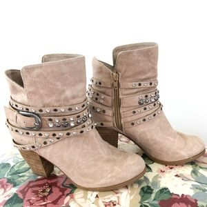 Not Rated Alpha Ankle Bootie Cream Size 7.5